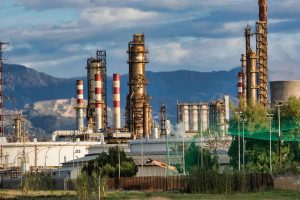 Crude oil refineries