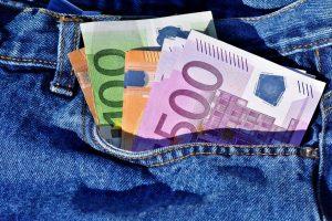 Euro crashes after ECB extends QE Program