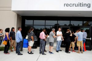 Unemployment rate falls in the US while earnings increase