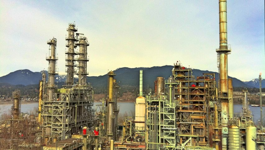 How is the Crude Oil Crisis Impacting Oil Refiners?