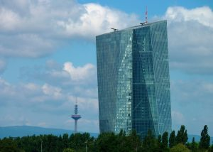 Central Banks in Focus