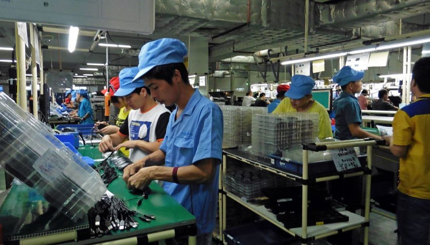 China's Factory Activity Back in Expansion, Barely