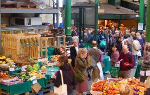 UK Sees Jump in Shoppers as Lockdown Eases