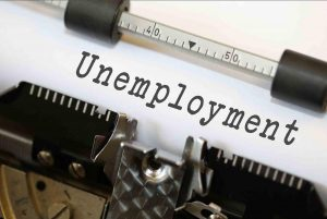 UK's Unemployment Rate Falls Below 5% in Three Months to February