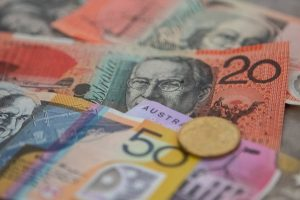 AUD/USD Dips to One-Week Low as RBA Holds Policy, Rates Steady